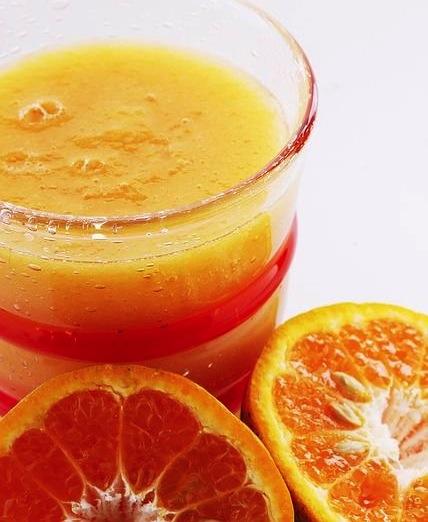Jus d'agrumes orange citron pamplemousse à la ferme Rothgerber